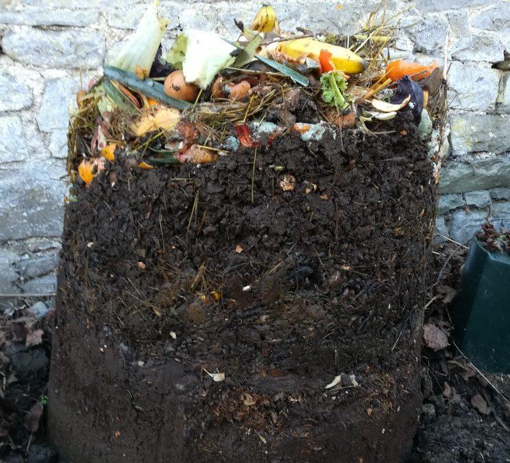 """L'art du compost, ou le """"zéro déchet"""" au jardin aussi…"""